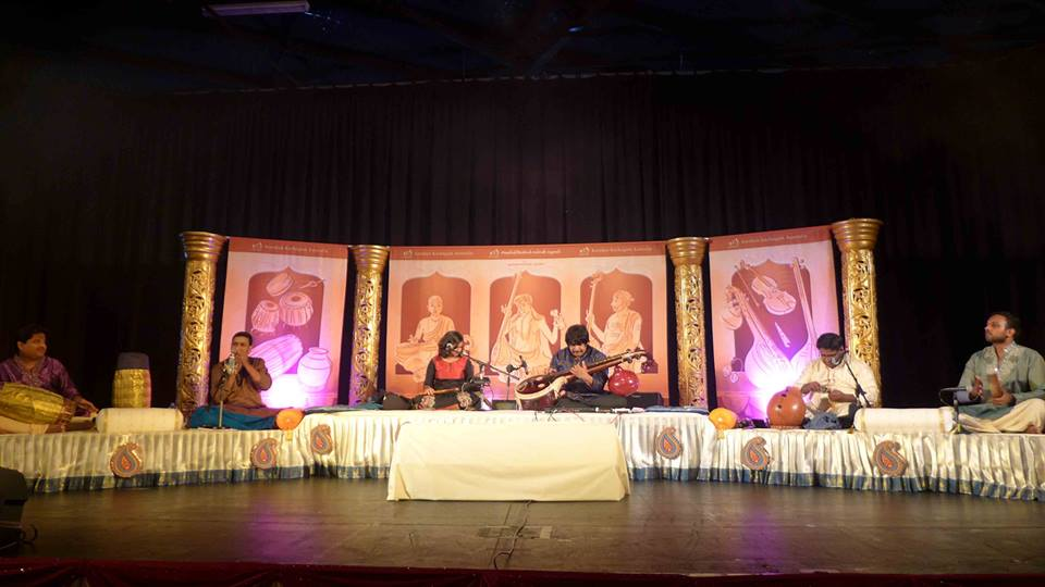 Kamban kazhagam brings rajhesh vaidhya 2014 for Arangetram stage decoration ideas